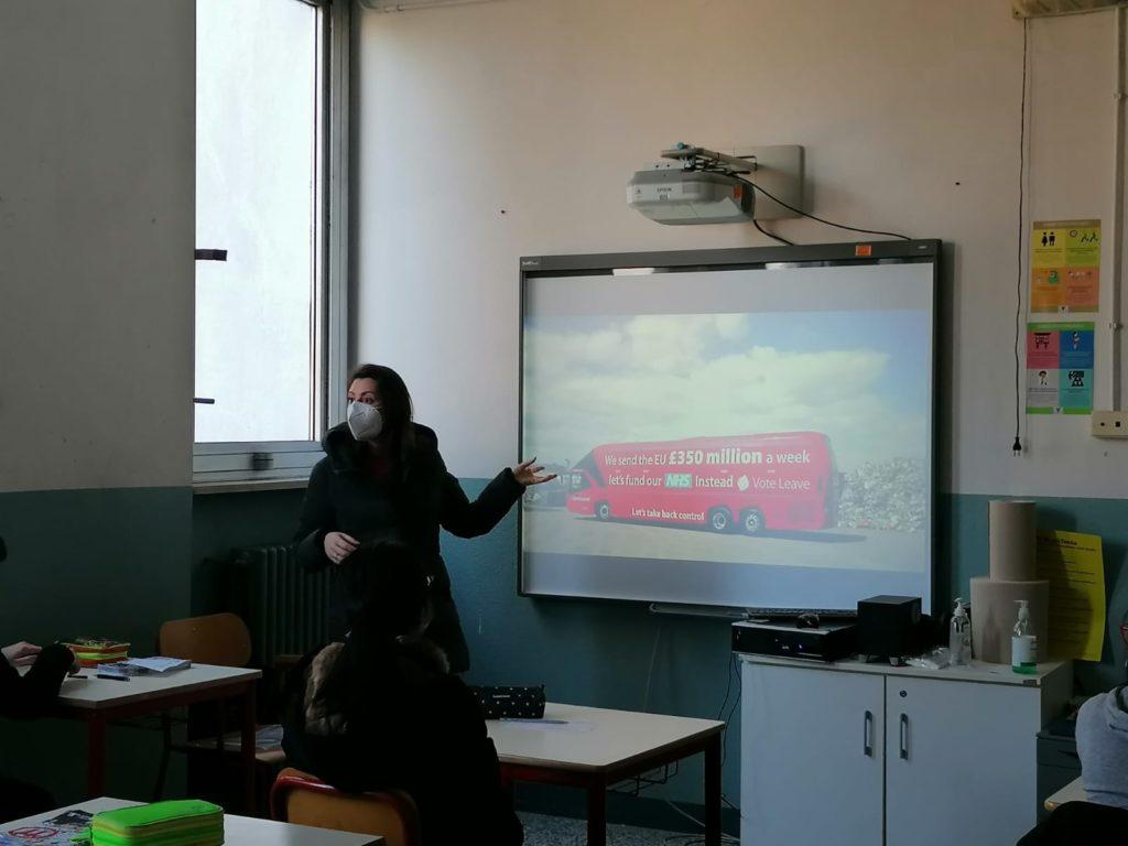 Digital Bees - cittadinanza digitale a scuola